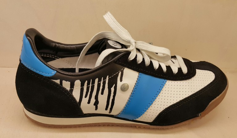 Prague Fashion - customized sneakers at Botas 66 store @pratserie