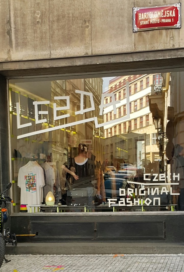Prague Fashion - Leeda shop @pratserie