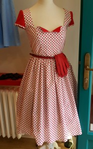 Retro dress and gloves Lazy Eye shop Prague @pratserie