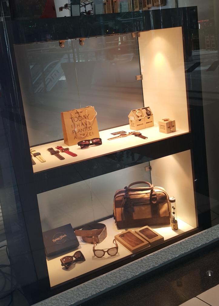 Produtos feitos de madeira em Liubliana , Slovênia @pratserie