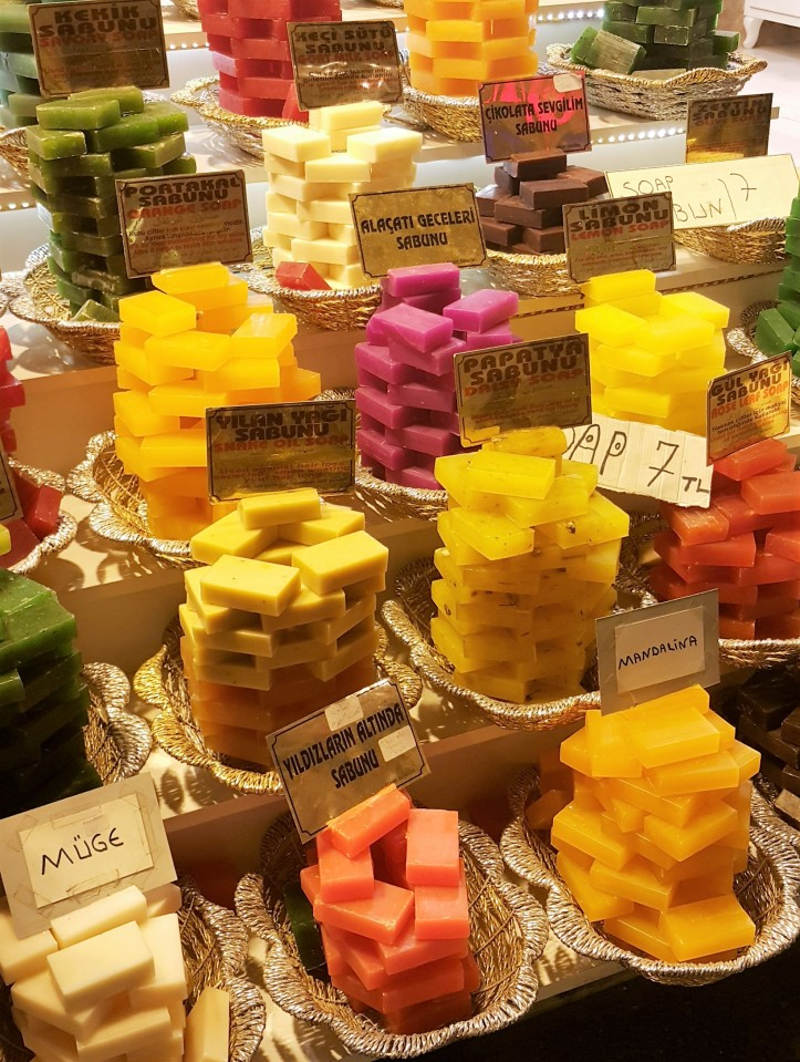 collorful soaps grand bazar istanbul @pratserie