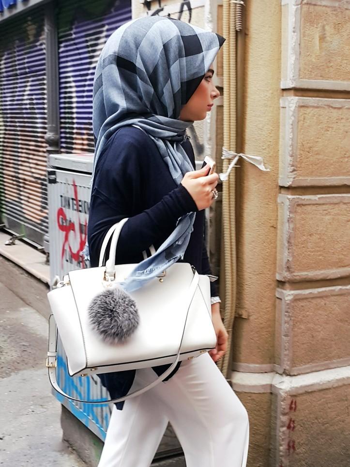 Hijab style - it bag - accessories (Istambul @pratserie)