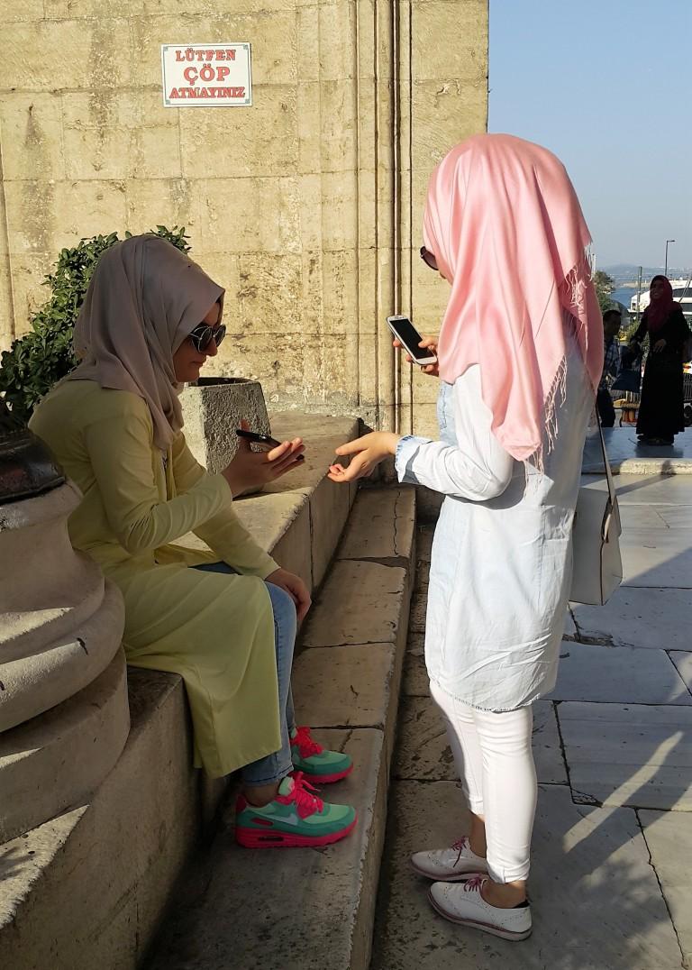 hijab fashion - pastels @pratserie