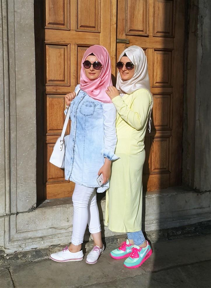 pastel tones hijab style Istanbul @pratserie
