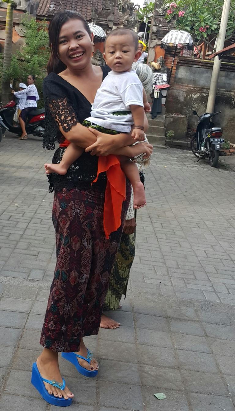 Traje t[ipico Bali @pratserie