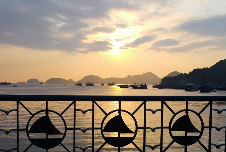 sunset-catba-island