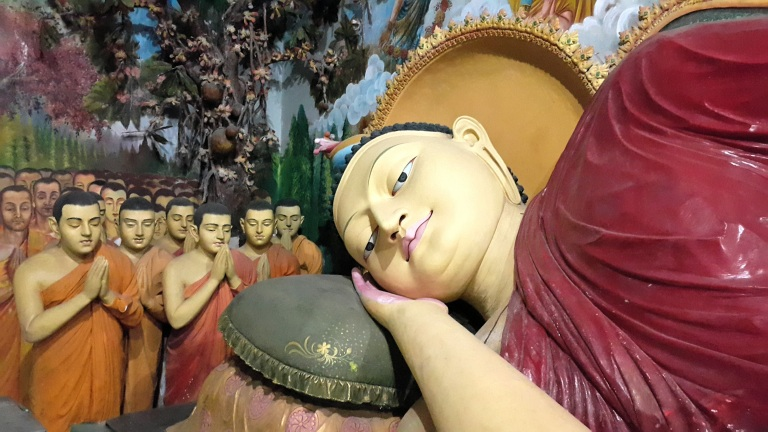 chuddist_temples_in_sri_lanka_by_pratserie.jpg