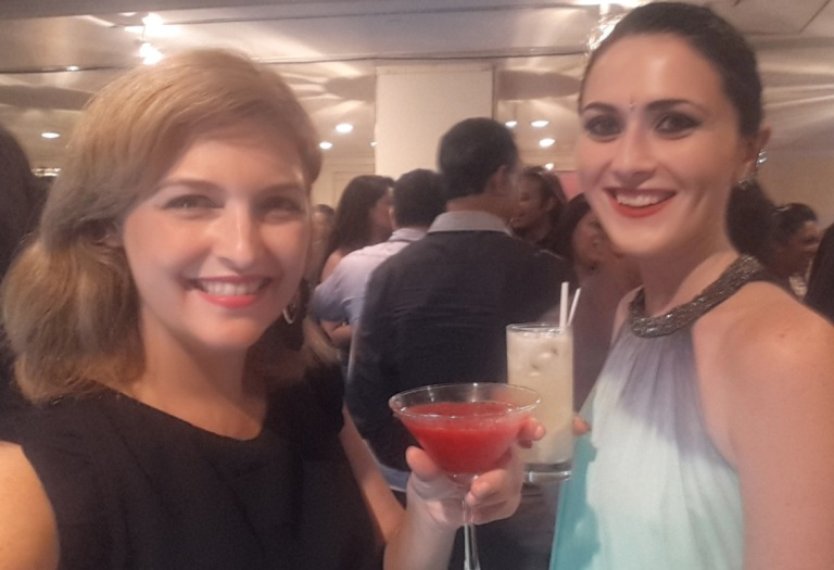 Fernanda Prats e Alice Luker Style in Sri Lanka