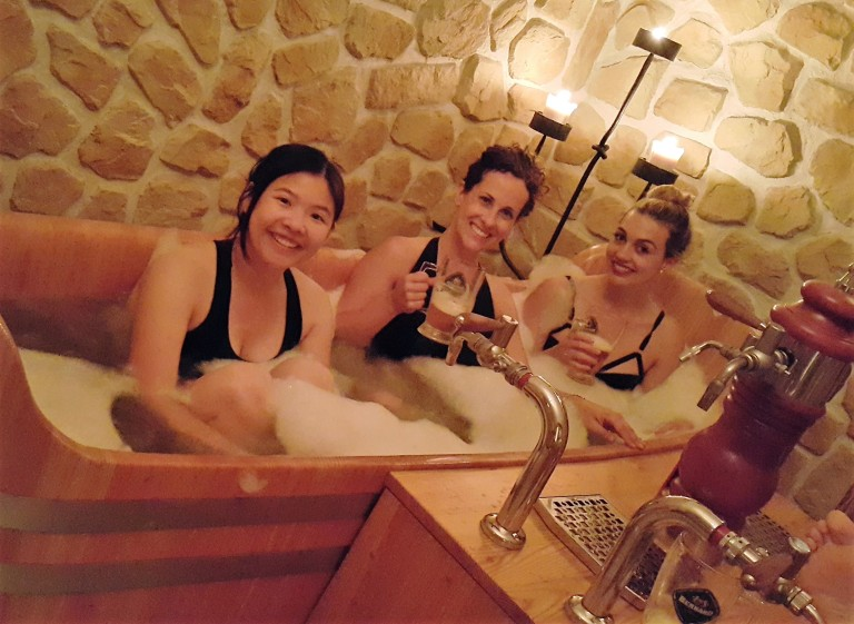 girls_on_beer_spa_by_pratserie.jpg