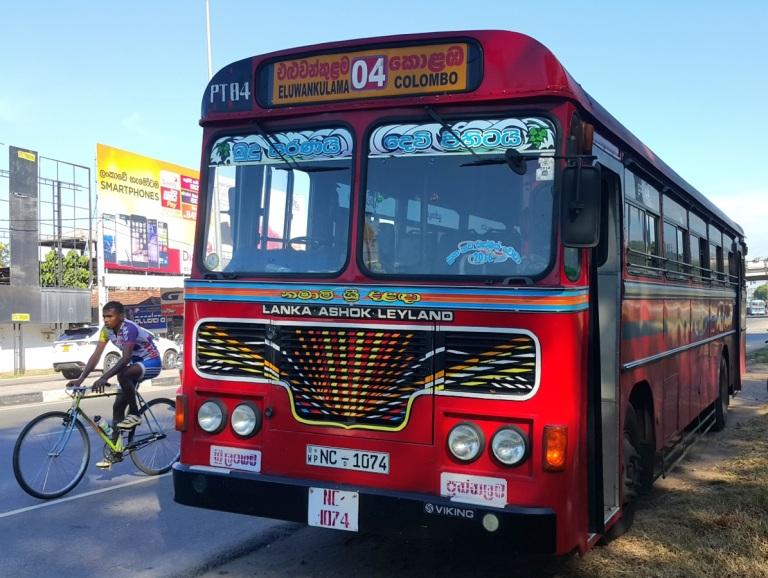 Sri_Lanka_public_transport_by pratserie.jpg
