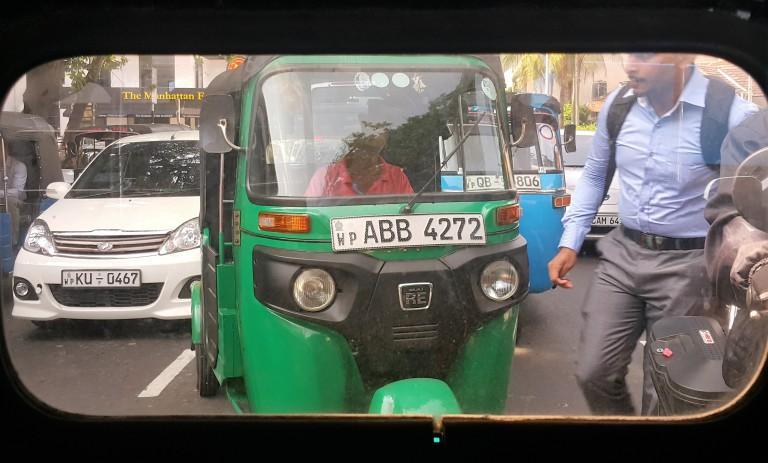 tuktuk_by_pratserie.jpg