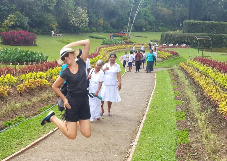 Fernanda_Prats_jumping_Sri_Lanka