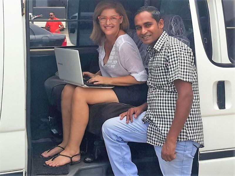 Fernanda_Prats_working_on_yhe_road.jpg