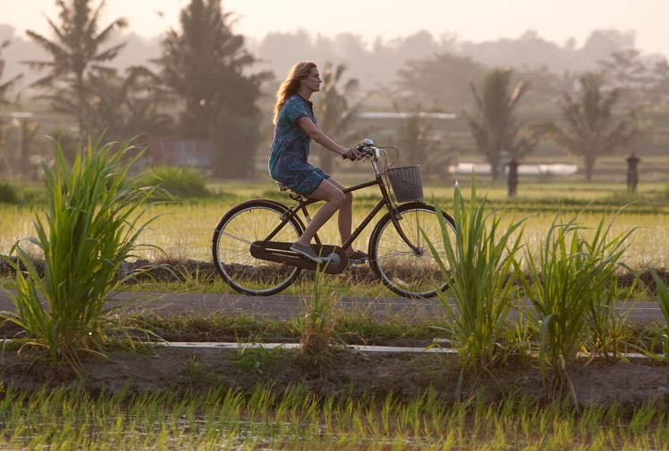 biking-in-Bali-eat-pray-love