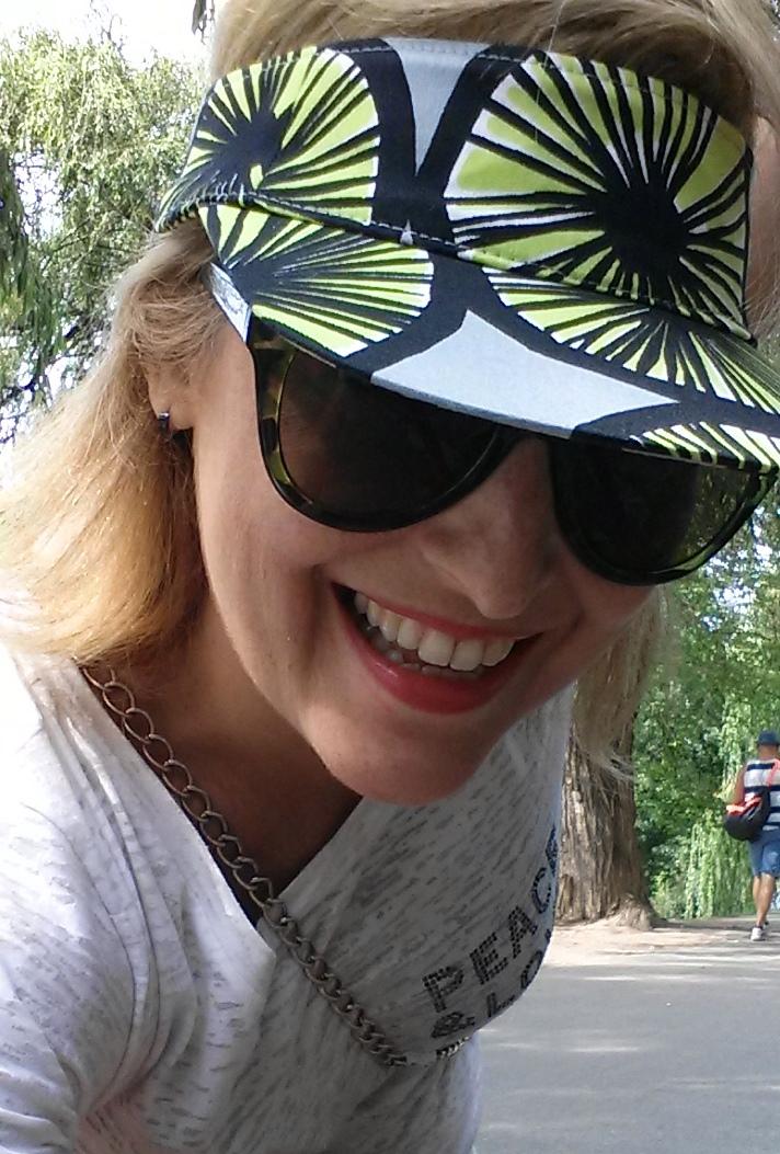 Fernanda Prats wears Marimekko cap in Helsinki @pratserie