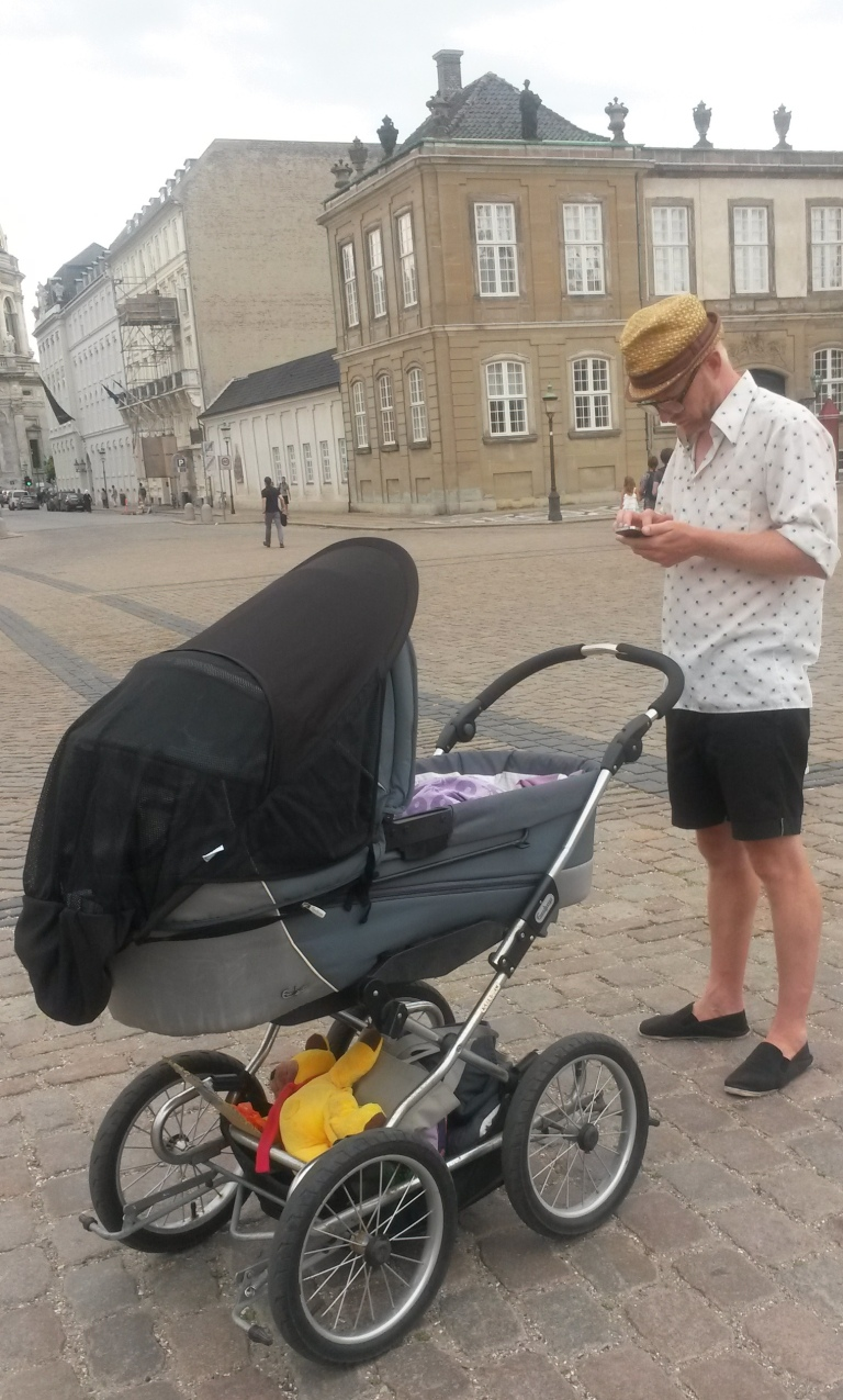 Father and baby - Copenhagen @pratserie