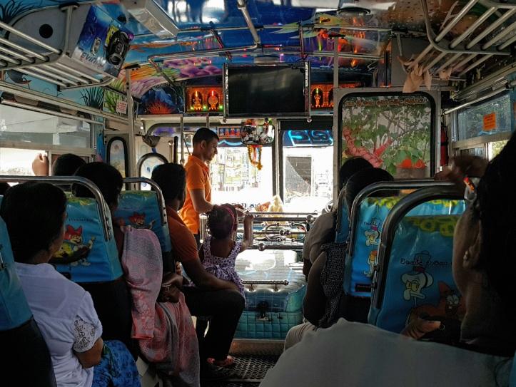 Ônibus no Sri Lanka
