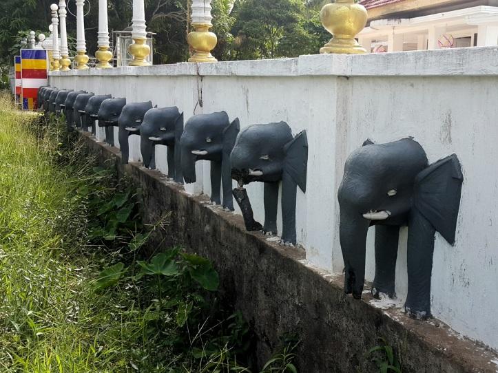 elephant decoration - Sri Lankan temple @pratserie