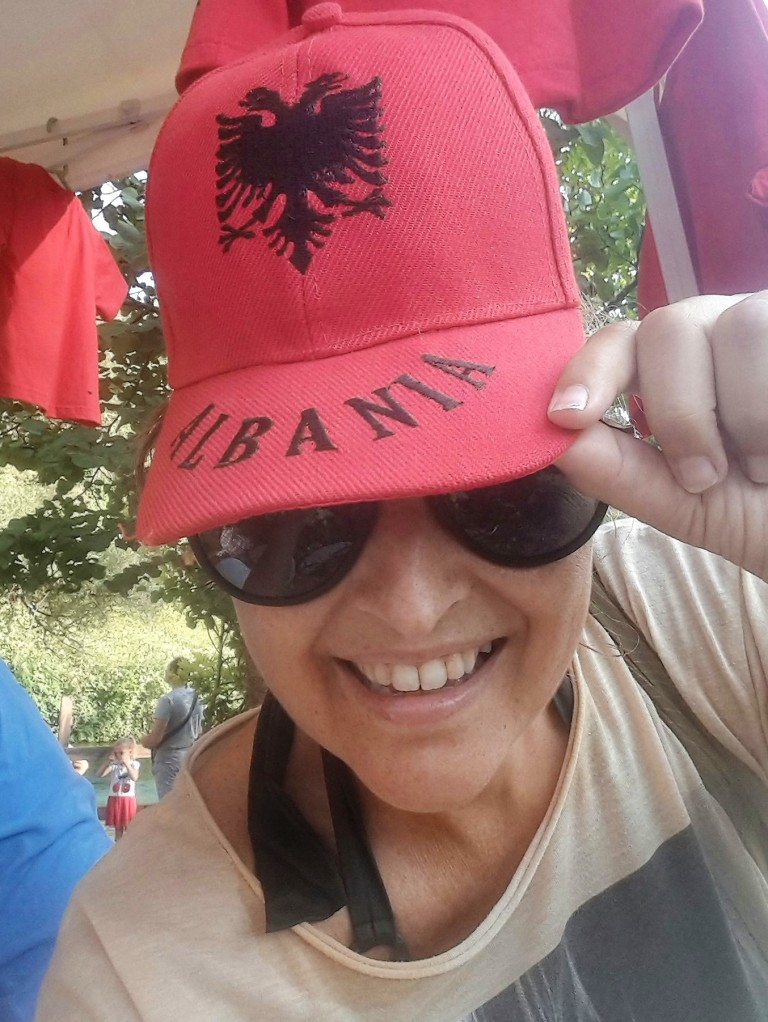 Fernanda Prats - boné Albânia