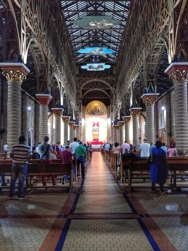 Igreja em Pereira, Colombia @pratserie